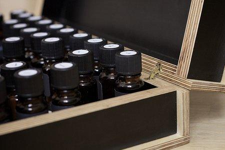 eterična ulja u kutiji