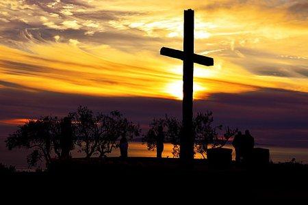 križ u zalasku